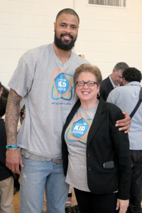 DALLAS, TX - MARCH 30: UNICEF Ambassador Tyson Chandler (L) and president and CEO of the U.S Fund for UNICEF Caryl Stern at an event celebrating UNICEF Kid Power at Esperanza Hope Medrano Elementary School on March 30, 2015 in Dallas, Texas. (Photo by Peter Larsen/Getty Images for UNICEF)