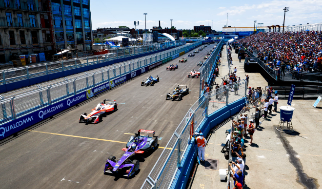Formula E Bird 2nd Steven Tee:LAT Images:FIA Formula E via Getty Images